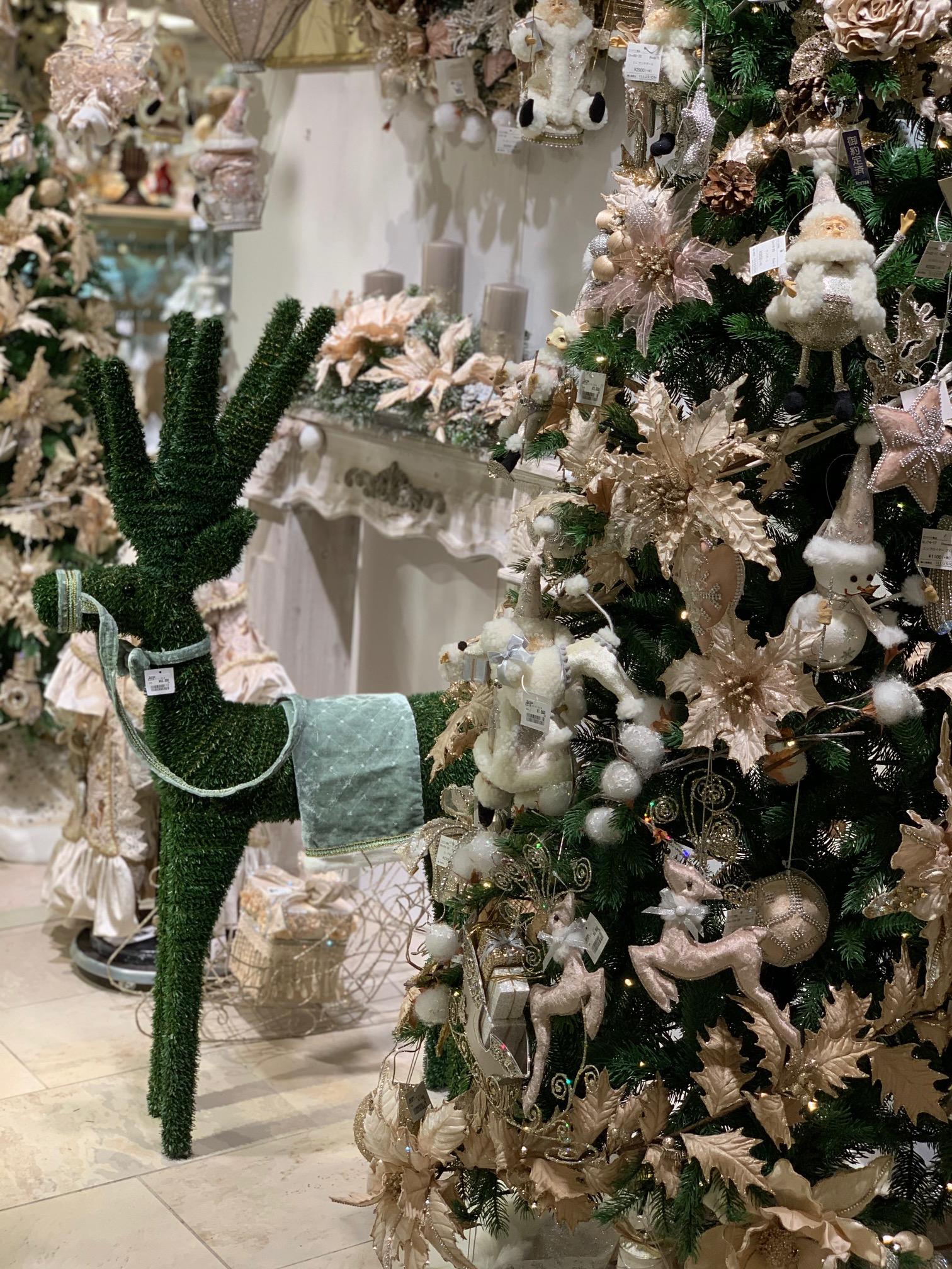 伊勢丹にてクリスマスグッズの仕入れ