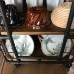 ヴィンテージ風のキッチン棚& 手作りパン