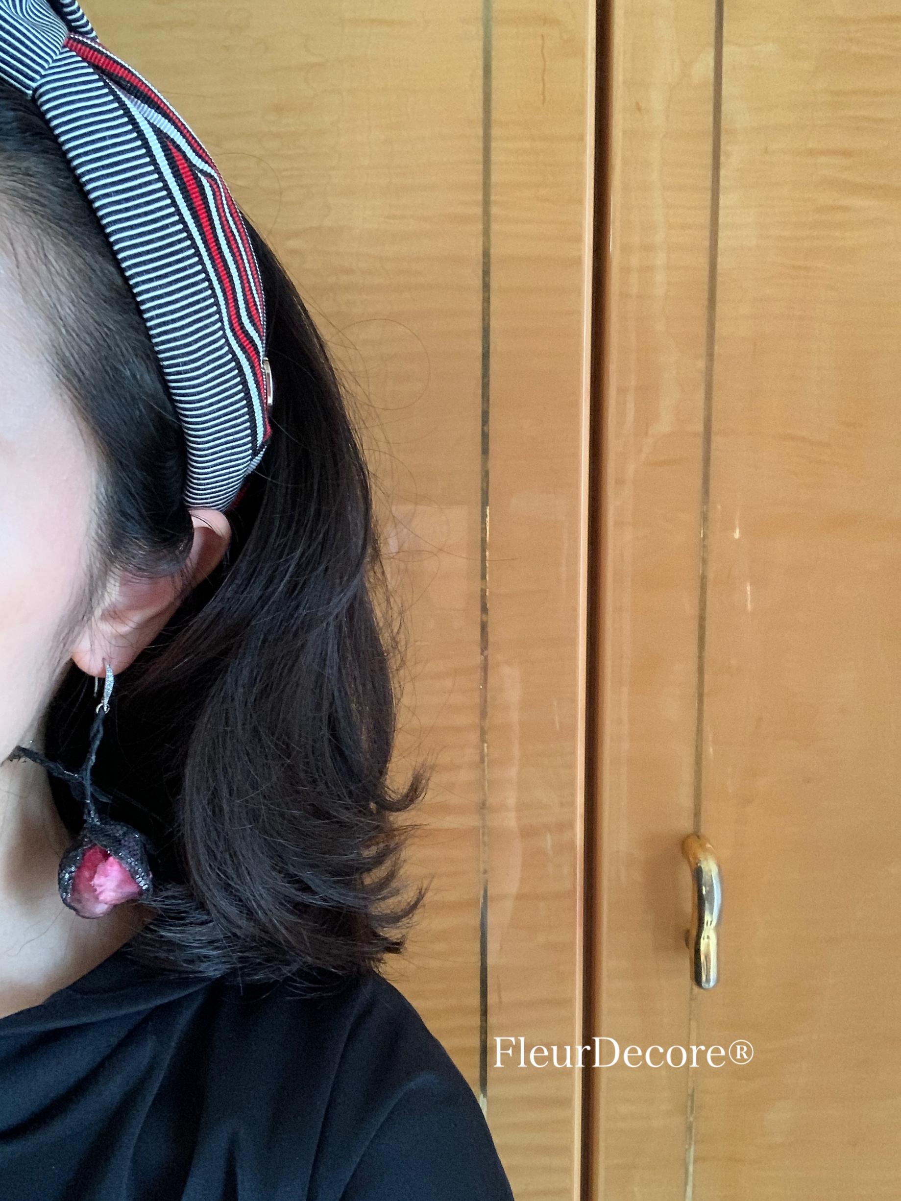 ターバン風カチューシャと片耳布花アクセサリー