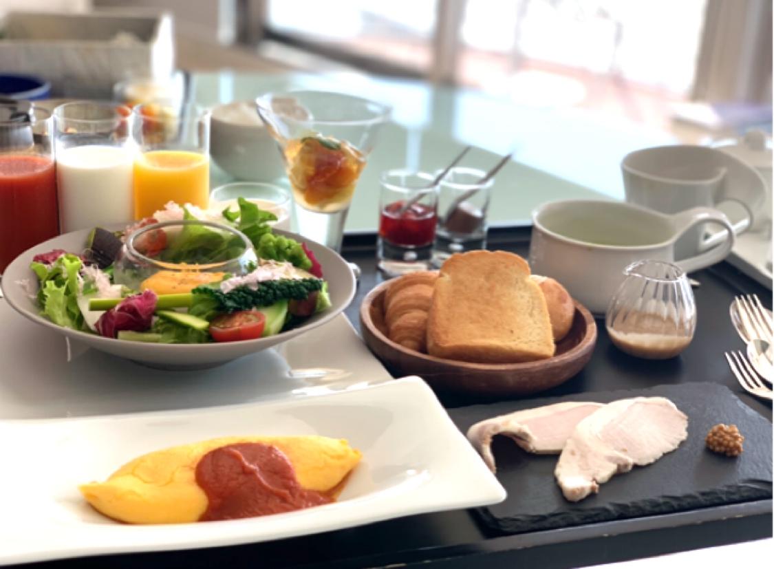解除後の遅めの朝食