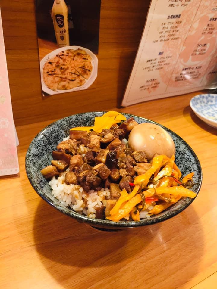 まるで台湾な魯肉飯!中国語飛び交う台湾料理店「台湾小吃 六福」