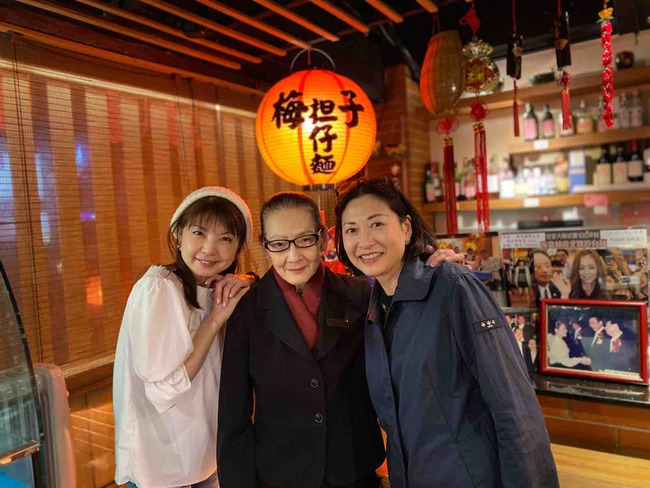これで最後【弾丸熟女台北ツアー10食目】老舗「梅子餐廳」で深夜ごはん