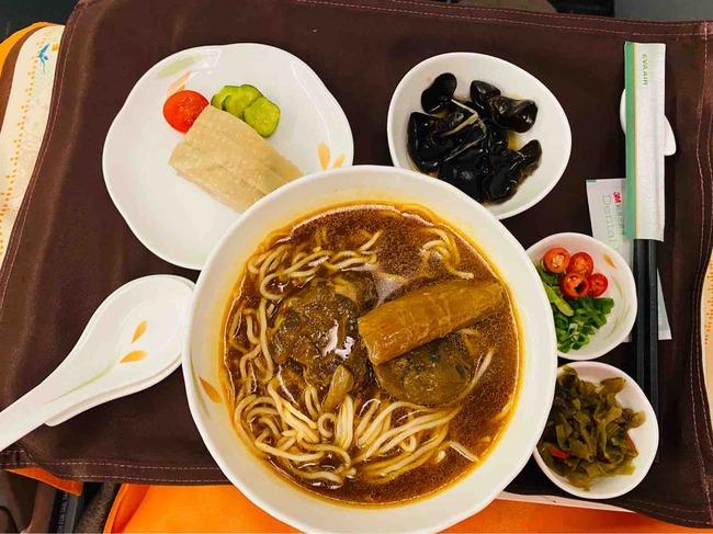 【弾丸熟女台北ツアー番外編】機内食は鼎泰豊!エバー航空に乗ってみました