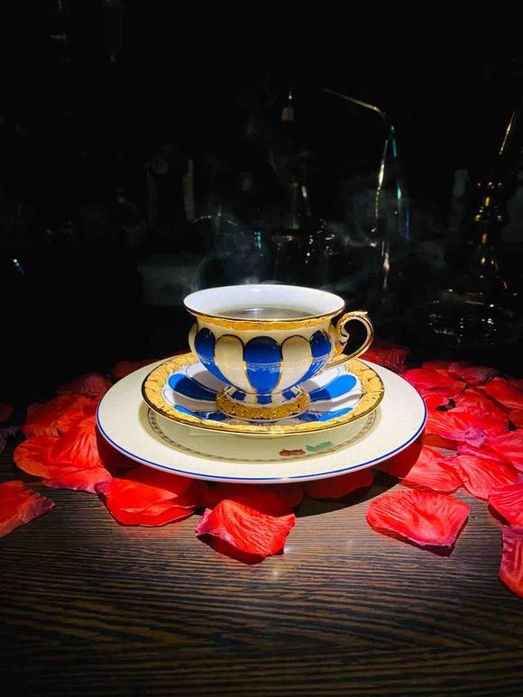 大須で薔薇が散るオシャレすぎる正統派珈琲店を発見!カフェ・セレーサ
