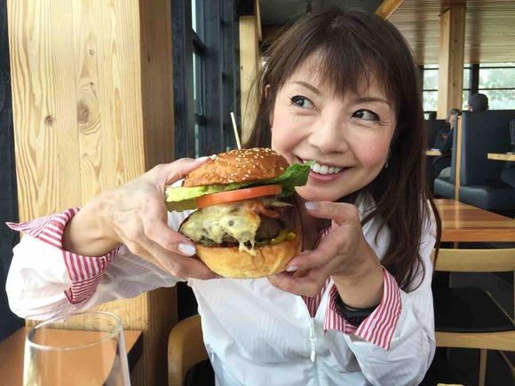 カナダの思い出⑦ブラッコム山Christine's restaurantでバッファローバーガー!