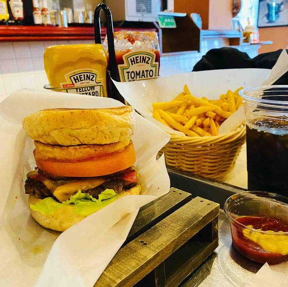 石垣島日記③もう一軒朝食!バニラデリで石垣牛ハンバーガー