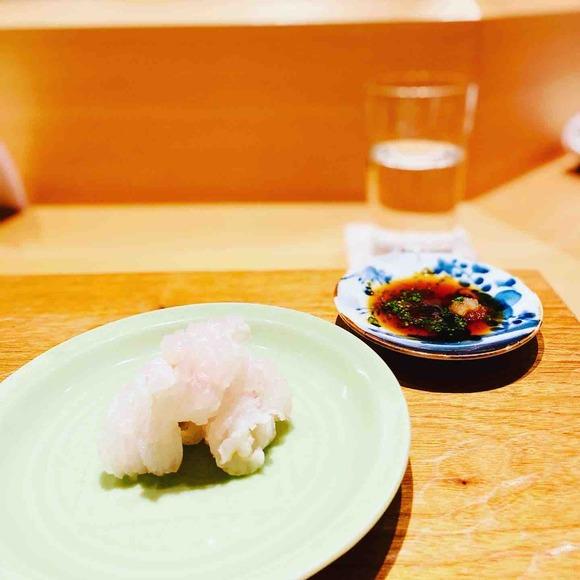 潔い料理はコップの水だけでも美しい。引き算の美「吉い」の夏
