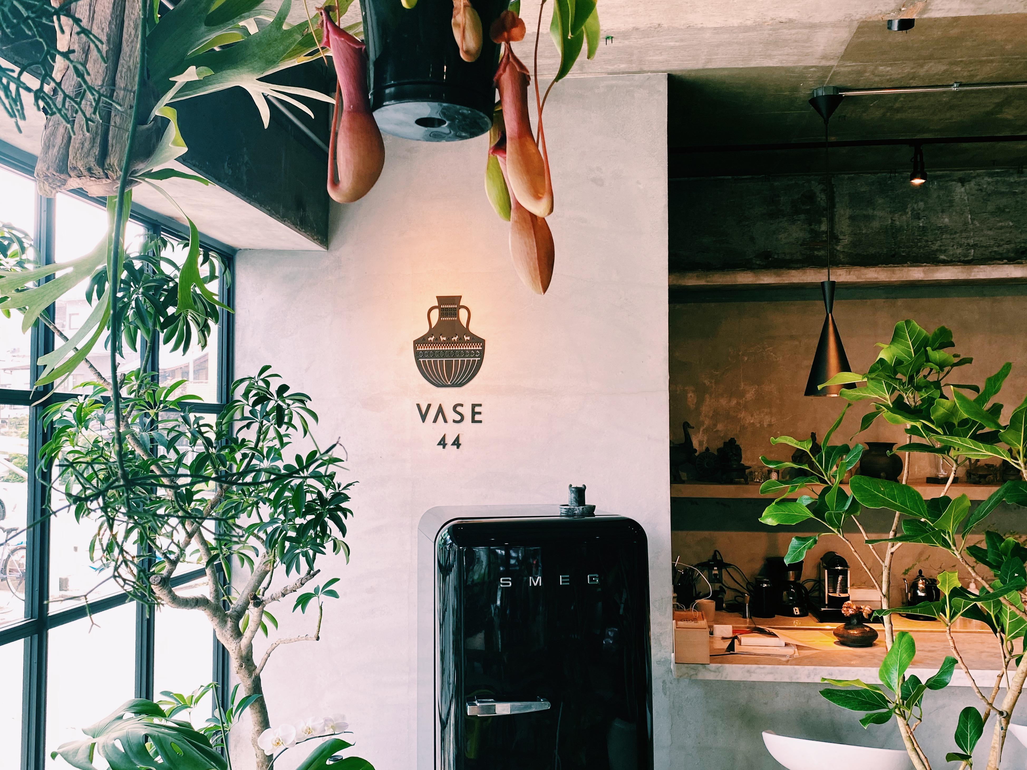 独創的なアイデアが素敵な東区のお花屋さん「VASE 44」