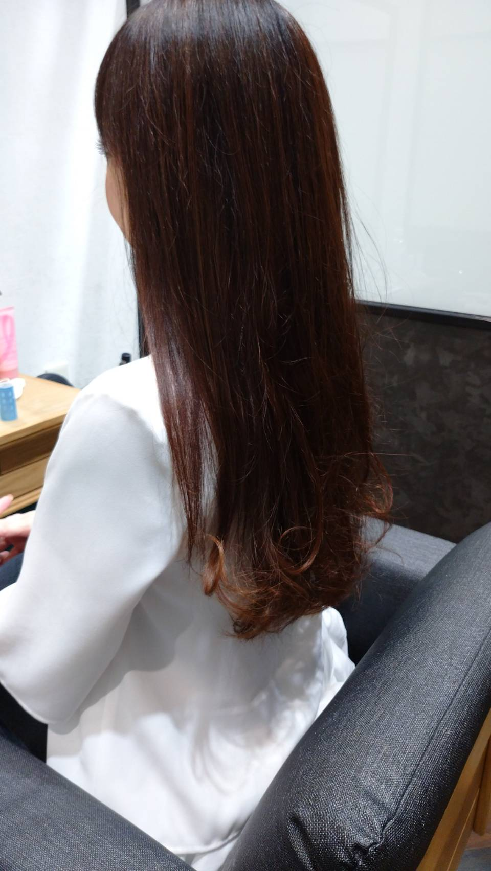 女の髪には年齢がでる!