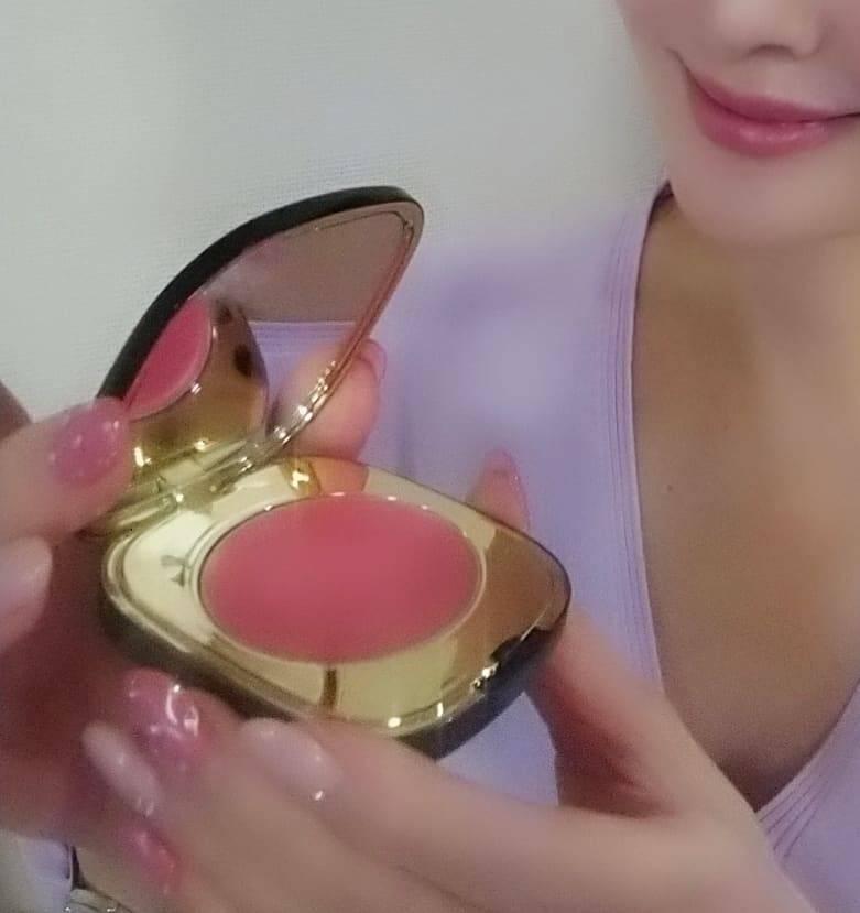 大人肌をきれいに見せてくれる『ピンク』♪