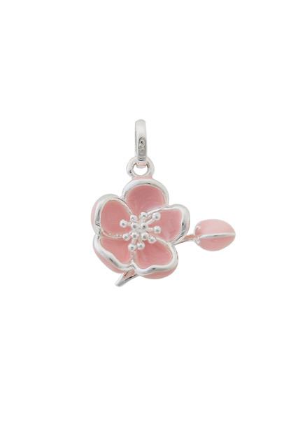 春爛漫!〈リンクス オブ ロンドン〉の桜チャームを取り入れて。