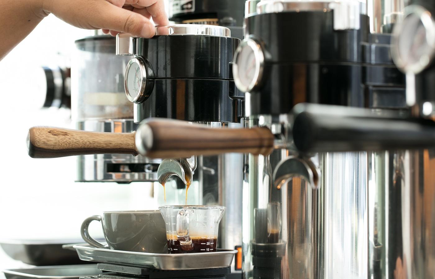 ダブルトールカフェ茶葉から抽出_小