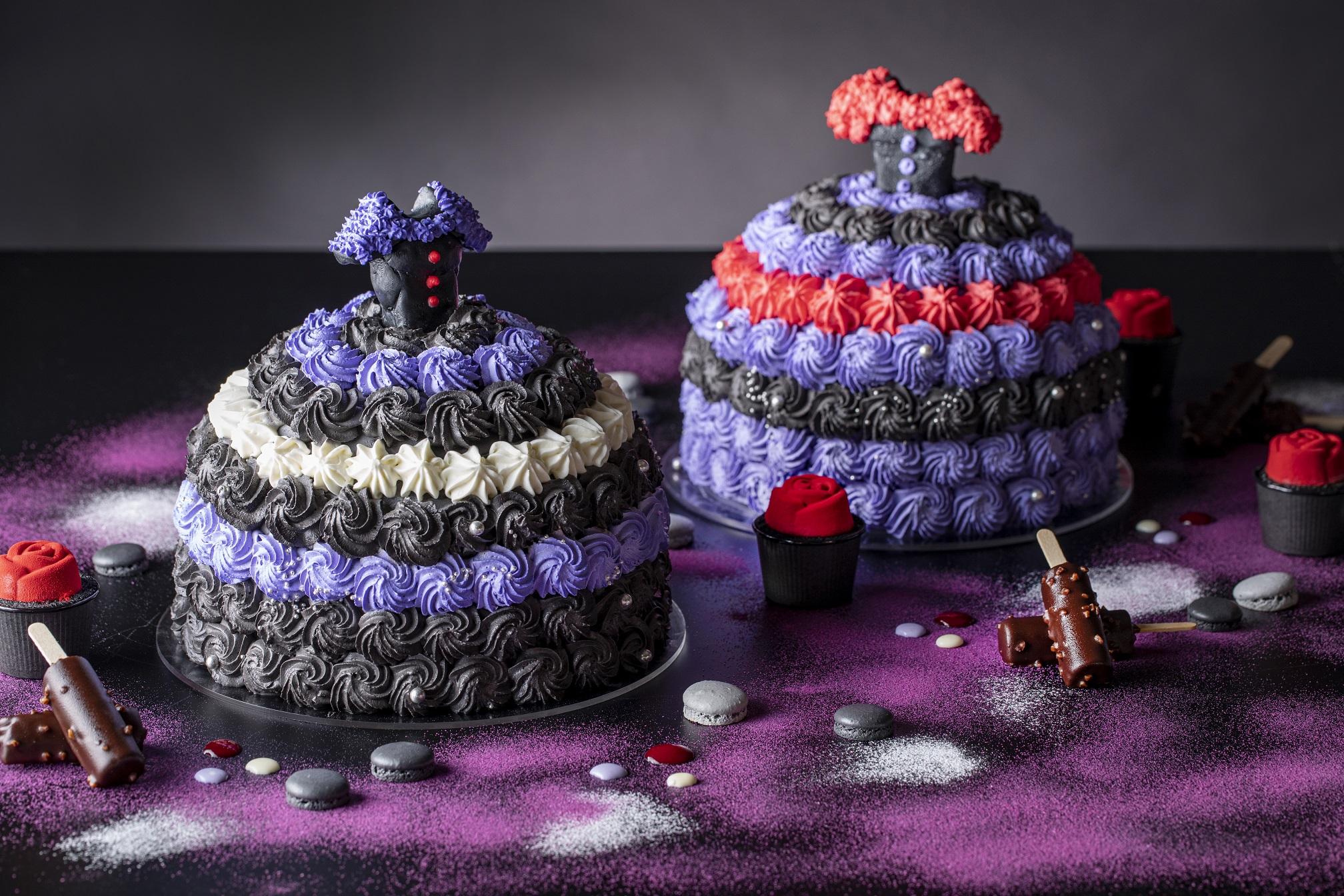 ブラックドレスのベルベットケーキ