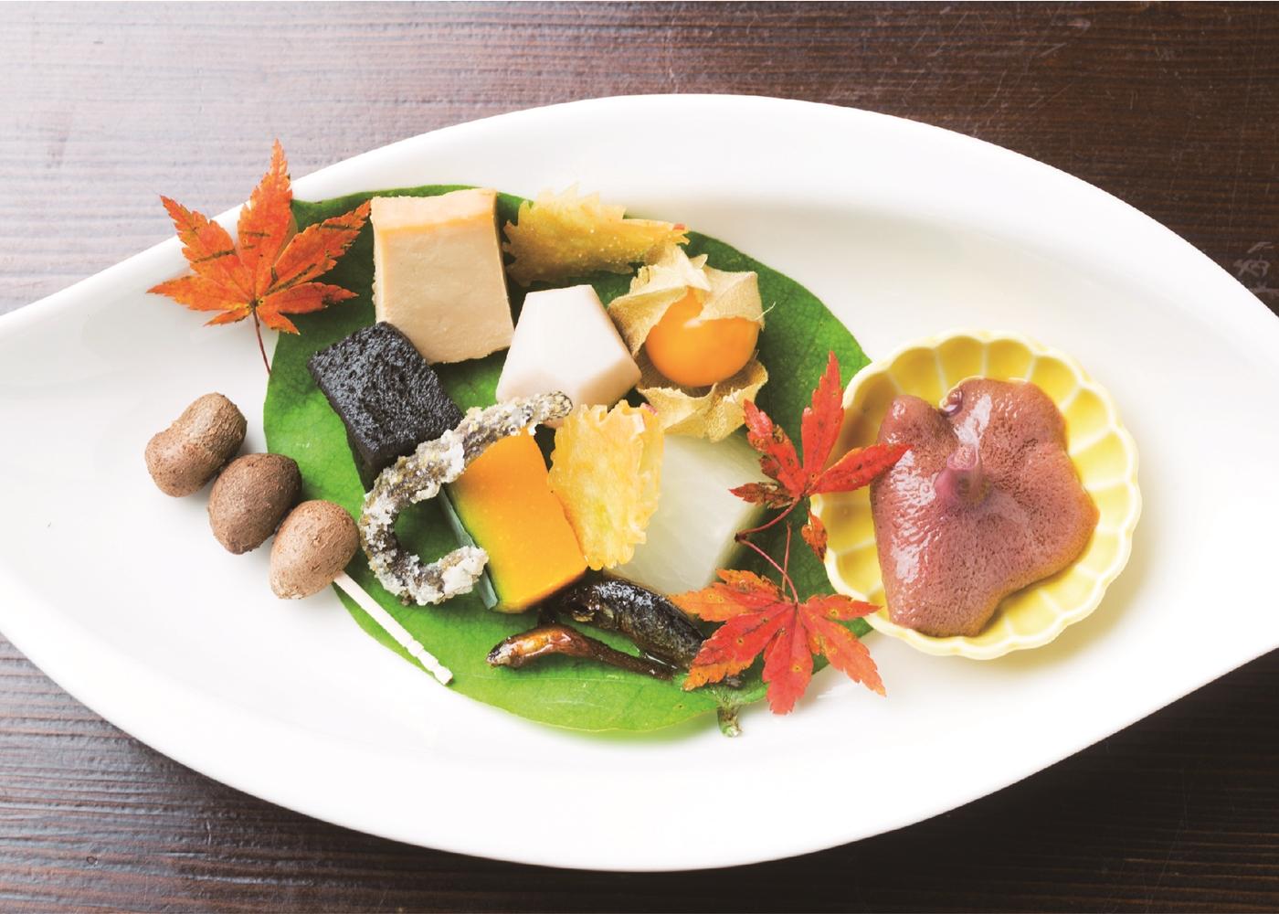 全国の美食家が注目する、話題が絶えない人気店「摘み草料理 かたつむり」