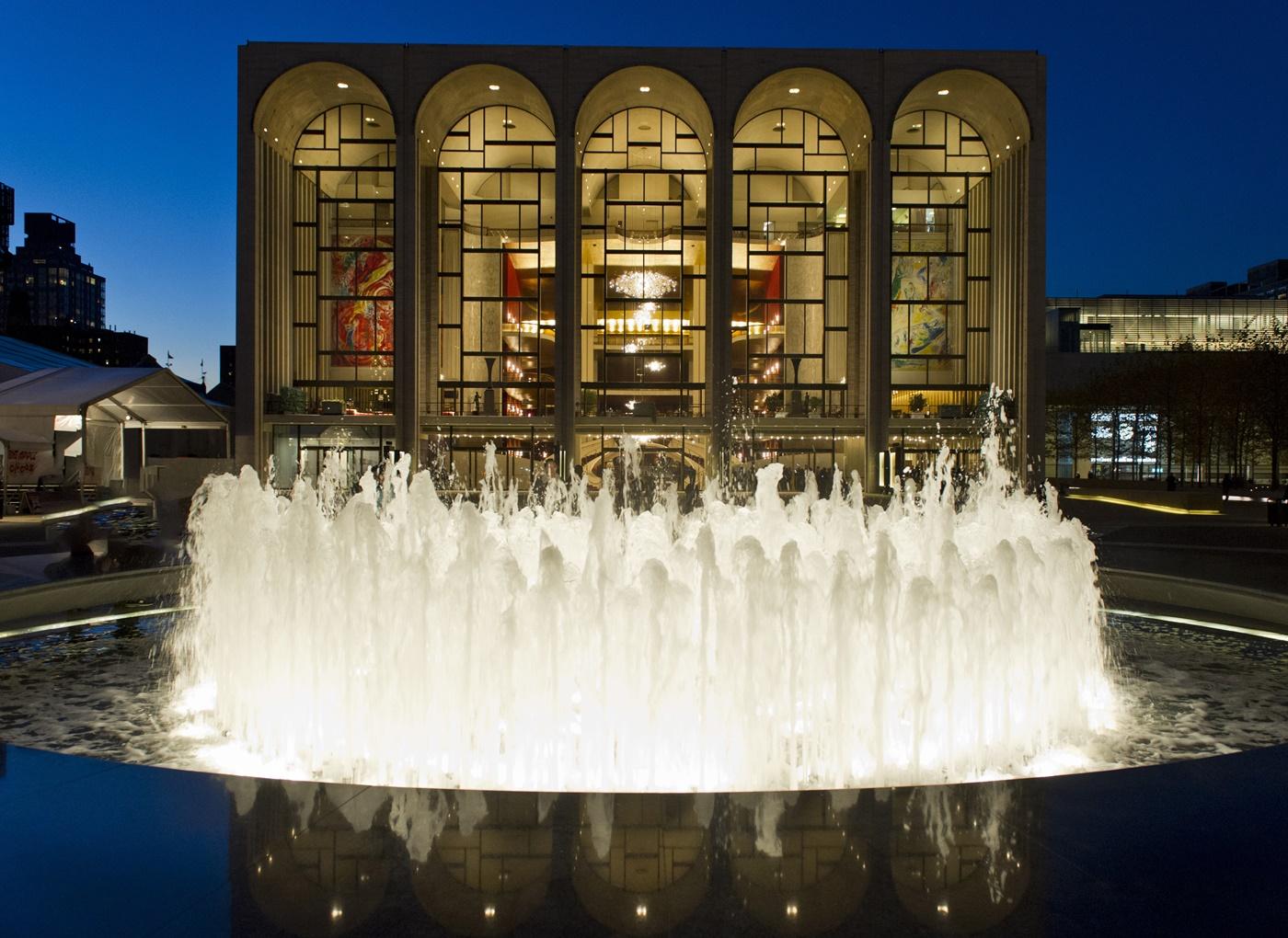 メイン画像1:operahouse(C)Jonathan Tichler/Metropolitan Opera