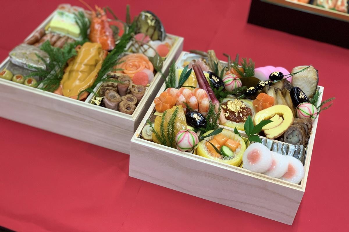 「ジェイアール 名古屋 タカシマヤ」の、2021年おせち料理が予約開始!キャラクターおせちや限定商品、一人用まで、豪華ラインナップ。